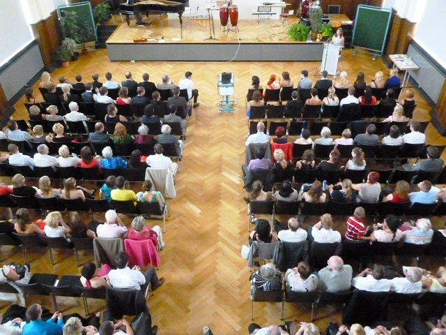 Abitur 2012 - kurz vor der Zeugnisübergabe.