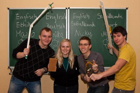 Wollen nach 1/2 Jahr Schulpraxis wirklich weiter Lehrer werden, Marco, Annika, Nicky und Martin.