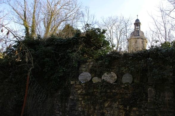 Frühjahrsputz auf dem ehrwürdigen Johannisfriedhof