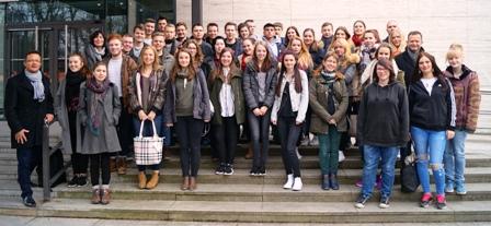 Studienfahrt nach Berlin - zwischen den letzten Klausuren und kurz vor den Abiturprüfungen