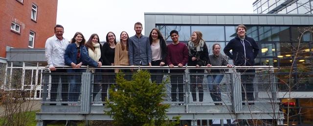 Gute Stimmung bei den 10 IGS Schülern in Hamburg bereits am Anreisetag