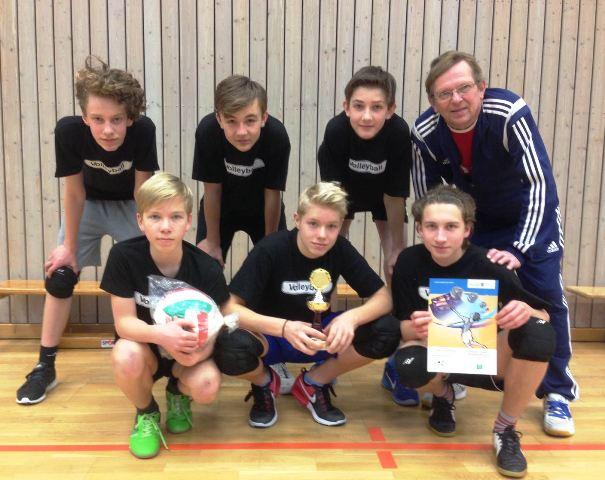 Stolze Sieger, Volleyballer der 7. und 8. Klassen.