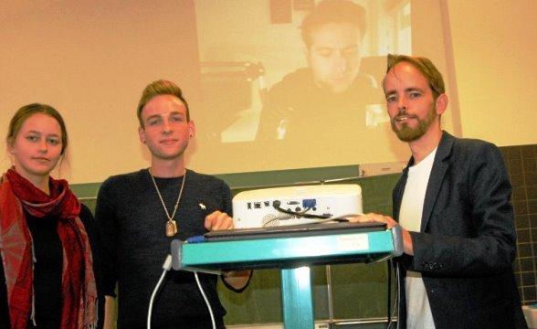 Die Videokonferenz mit Marcus J. Ball in London funktioniert.