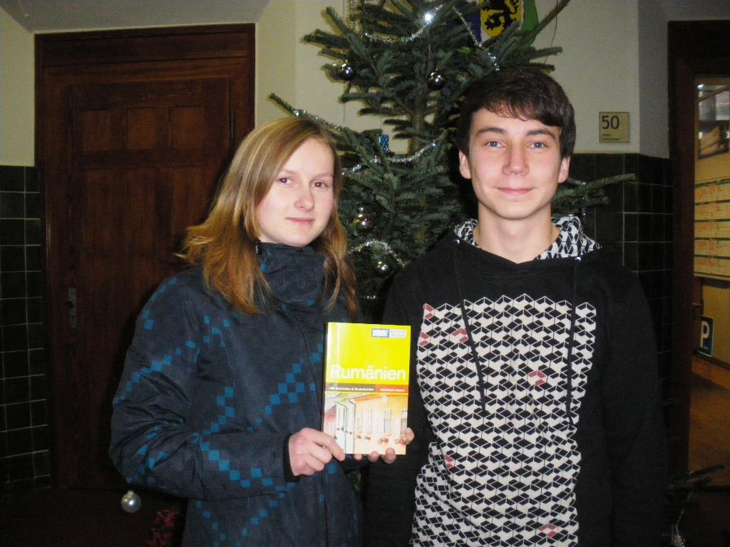Carolin und Lukas haben bestimmt viel mehr im Gepäck als nur einen Reiseführer für Rumänien