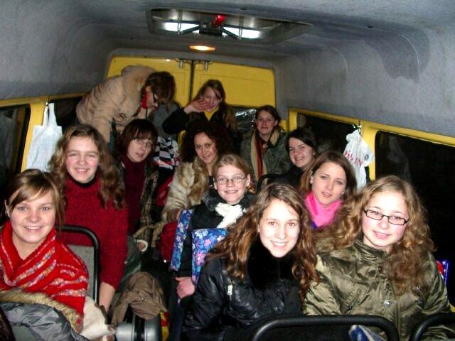 Kurz vor der langen Heimreise im schuleigenen Bus
