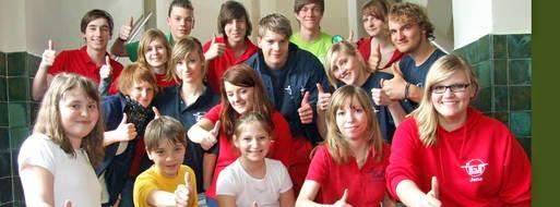 (MG/OTZ)Top das hat Spaß gemacht. In ihrer sanierten Grete-Unrein-Schule sorgten diese Schüler in der Festwoche für Aufsehen. Sie präsentierten eine Modenschau mit Vorschlägen für eine Schulsportkleidung.