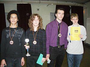 Erfolgreiche Schachspieler in Erfurt: Daniel, Felix, Astemir und Jonas